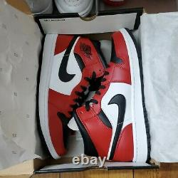 Nike Air Jordan 1 Mid Casual Shoes Chicago Black Toe Brand New. Size 9